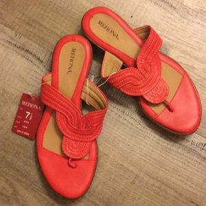 NWT ladies sandals 7.5